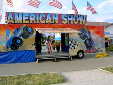 Monstertruck Stuntshow Auto Till